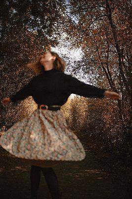 joyeux automne - p987m2225964 by Célia Swaenepoel