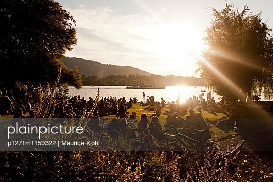 Abend am See - p1271m1159322 von Maurice Kohl