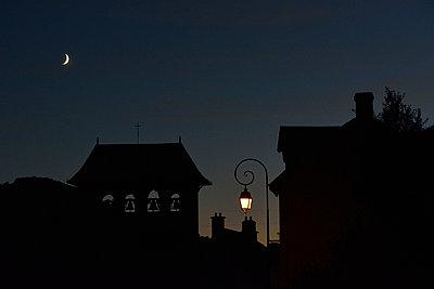 Nachts - p829m716106 von Régis Domergue