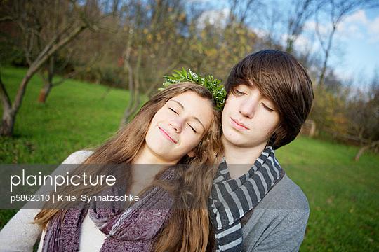 Kids in love - p5862310 by Kniel Synnatzschke