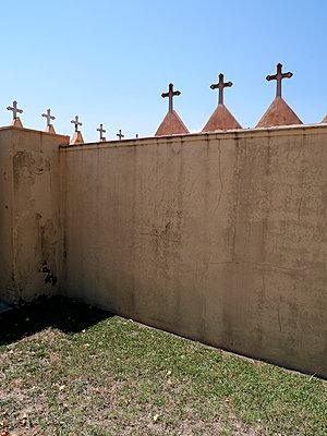 Friedhofszaun - p1021m1468213 von MORA