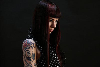 Tattoogirl - p249m945198 von Ute Mans
