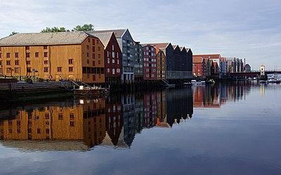 Häuser in Trondheim - p1620068 von Beate Bussenius