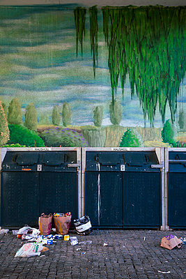 Müllentsorgung in Berlin - p382m2178455 von Anna Matzen