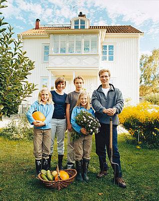 Familienphoto - p3126105 von Sven Olof Jonn