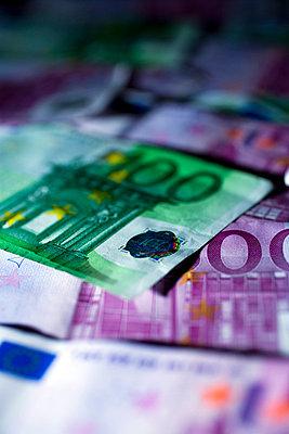 Euro note - p4130326 by Tuomas Marttila