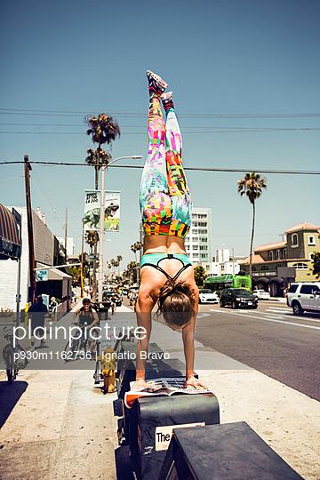Stuntmen - p930m1162736 von Ignatio Bravo