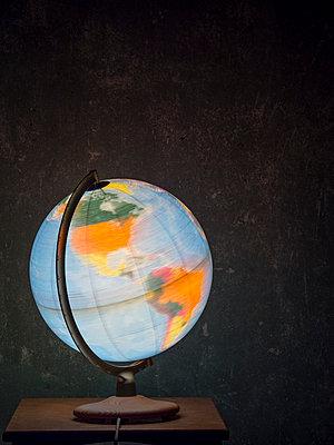 Die Welt dreht sich - p536m1222759 von Schiesswohl