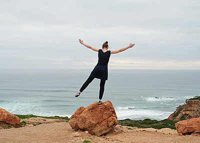 Balance am Meer - p1124m1112564 von Willing-Holtz