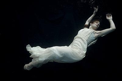 Underwater woman ballet Dancer - p1554m2158911 by Tina Gutierrez