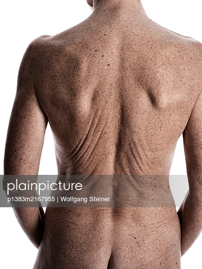 Back view of a naked woman - p1383m2167955 by Wolfgang Steiner