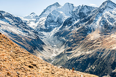 Majestic mountain scenery - p327m1216689 by René Reichelt