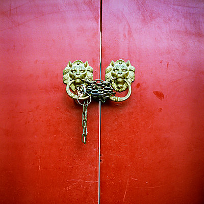 Red Chinese Door With Chains - p694m720319 by Aline Smithson photography