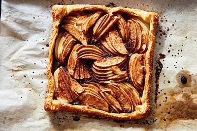 Apple pie - p1379m1525533 by James Ransom