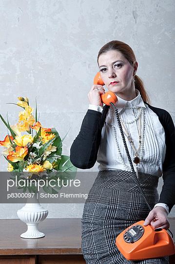 Ernstes Telefonat - p8300097 von Schoo Flemming