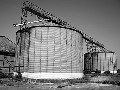 Silos - p675m922815 by Marion Barat