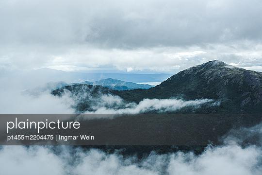 Alaska, Misty landscape - p1455m2204475 by Ingmar Wein