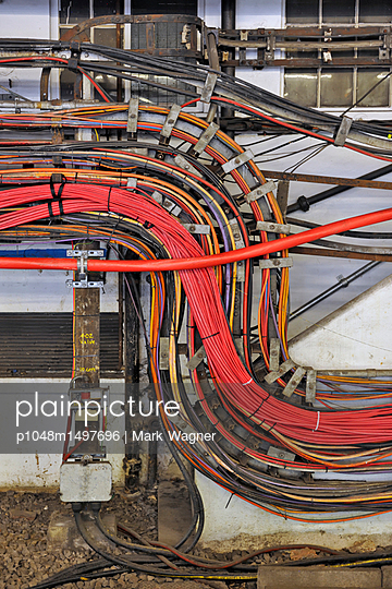 High power electrical cable network - p1048m1497696 by Mark Wagner