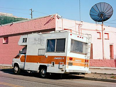 Gardena, Jamboree, South Los Angeles - p1431m1497109 von Daniel R. Lopez