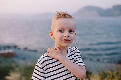 Little boy on seaside - p1363m1590008 by Valery Skurydin