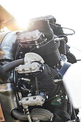 Sternmotor - p587m1190399 von Spitta + Hellwig