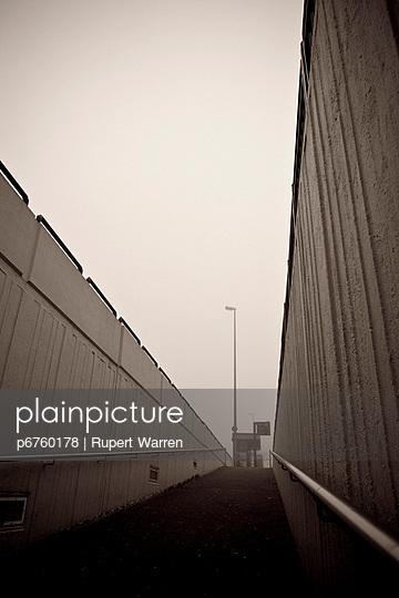 Fußgängerunterführung - p6760178 von Rupert Warren