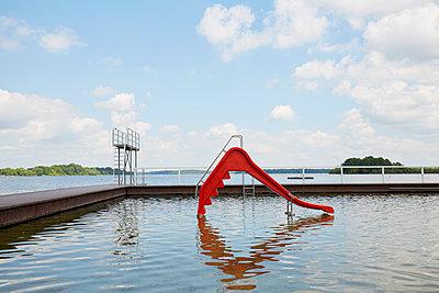Natur-Schwimmbad - p464m1461675 von Elektrons 08