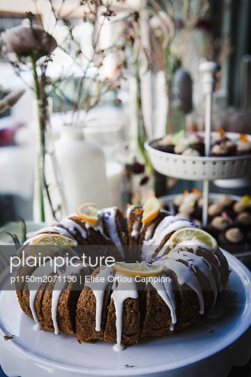 Kuchen mit Zuckerglasur - p1150m2071190 von Elise Ortiou Campion