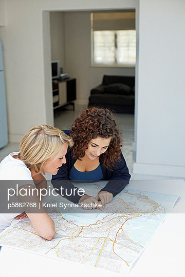 Eine Reise planen - p5862768 von Kniel Synnatzschke