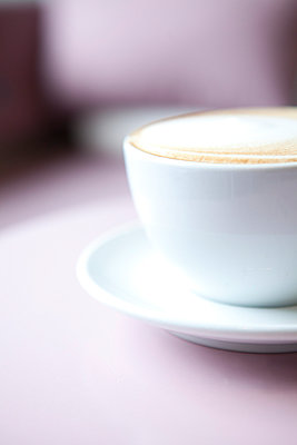 Coffee - p441m886101 by Maria Dorner