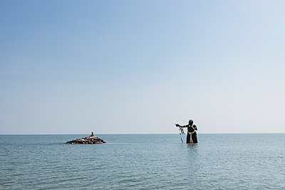 Thailand, Cha Am, Puek Tian, Sculpture of the Giantess Pee Seue Samut - p728m2230481 by Peter Nitsch