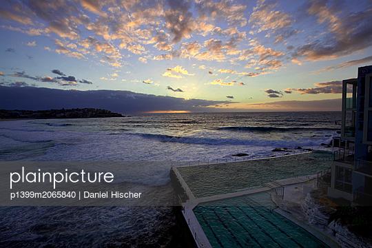 Bondi Icebergs Pool bei Sonnenaufgang - p1399m2065840 von Daniel Hischer