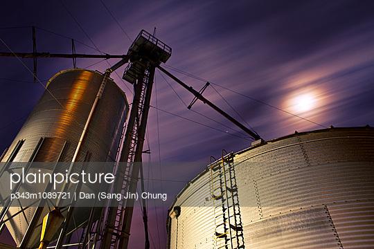 p343m1089721 von Dan (Sang Jin) Chung