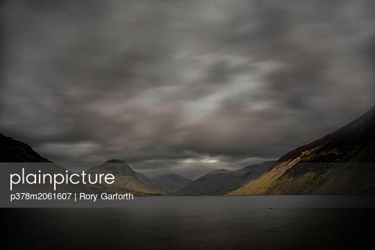 p378m2061607 von Rory Garforth