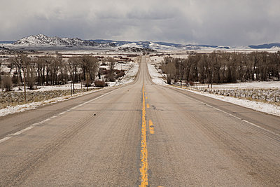 Road in Wyoming - p1291m1116158 by Marcus Bastel