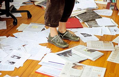 Chaos auf dem Fußboden - p2190152 von Carsten Büll