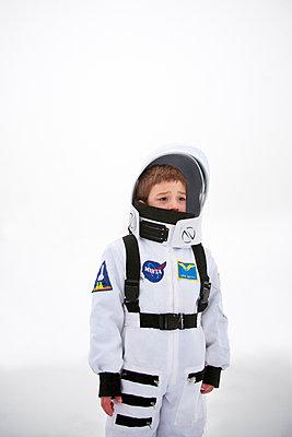 Astronaut 02 - p619m2015408 by Samira Schulz