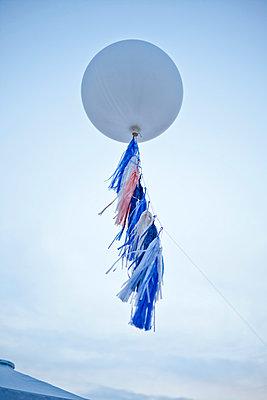Balloon - p978m933965 by Petra Herbert