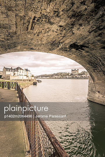 Saumur view - p1402m2064496 by Jerome Paressant
