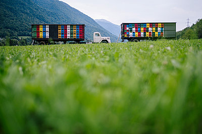 Italy, Trieste, Trucks with beehives - p1600m2211909 by Ole Spata