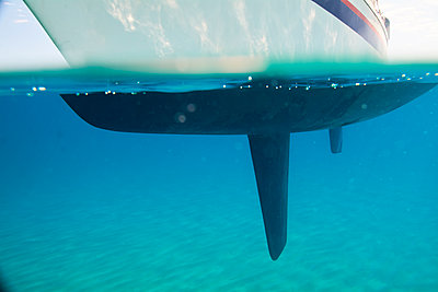 Sailing boat under water, partial view - p300m2120415 by Ivan Gener