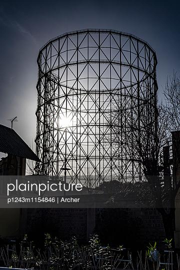 Stahlkonstruktion auf Industriegelände in Rom - p1243m1154846 von Archer