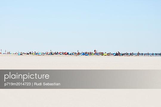 p719m2014723 by Rudi Sebastian