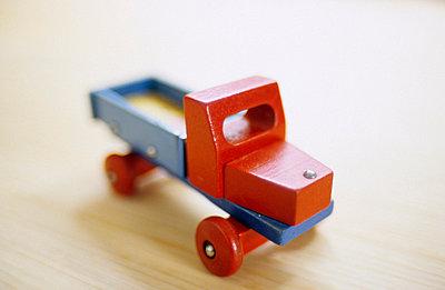 Holzauto - p3050041 von Dirk Morla
