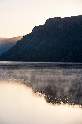 Lake Ullswater, Lake District National Park, Cumbria, England, United Kingdom, Europe - p871m927407 by Neil Emmerson