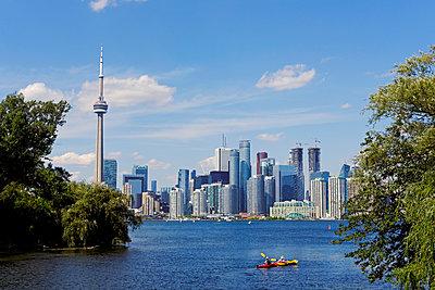 Toronto Skyline am Tag - p177m1183473 von Kirsten Nijhof