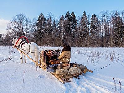 Pferdeschlitten in Russland - p390m1582793 von Frank Herfort