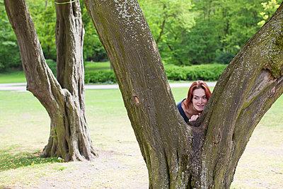 Hiding - p586m808737 by Kniel Synnatzschke