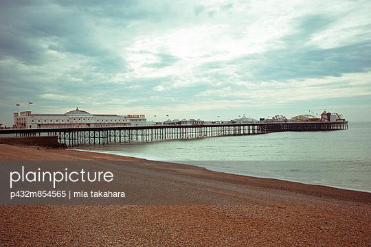 Brighton Pier - p432m854565 by mia takahara