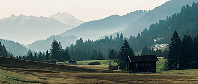 Karwendel mountain scenery in the morning  - p081m1137260 by Alexander Keller
